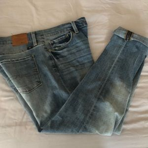 Lucky Jeans Brooke Capri Distressed